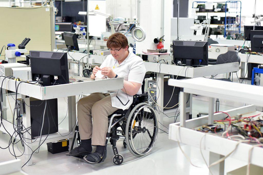 Assistance aux personnes à mobilité réduite dans l'entreprise